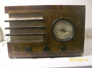 698. Centrum Radio, GW 50 nr: 21-4152. Rörmottagare  101_0294