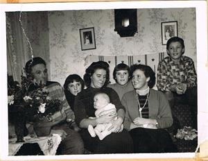 Familjen Jacobsson före Sivert och mig 001