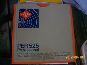 625. Agfa. Per 525 Professional 2400ft, 730m. Magnetband.