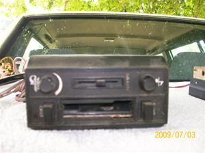 299. Volvo, bilstereo. Typ: Volvo compact car stereo. Nr: 303860. Fotonr: 100_3597