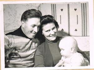 Mor, far och Sivert ca 1956 001