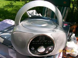 373. Rusta, Radio-CDspelare. Typ: Portable Radio-CD-Player. Fotonr: 100_5699