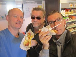 2. Resan börjar med sedvanlig frukost i Arboga..KORV.