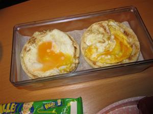 11. I pausen serverades äggmackor och kaffe.